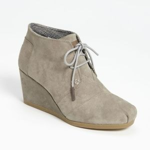 Toms Desert Lace Up Wedge Taupe Suede W7 300513